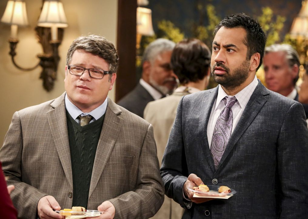 Dr. Pemberton (Sean Astin, l.); Dr. Campbell (Kal Penn) - Bildquelle: Michael Yarish 2019 CBS Broadcasting, Inc. All Rights Reserved / Michael Yarish