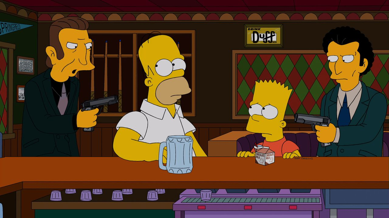 Die Schergen von Mafiaboss Fat Tony (l. und r.) entführen Bart (2.v.r.) und Homer Simpson (2.v.l.). Sie sollen nicht eher freikommen, bis Bart seine... - Bildquelle: 2013 Twentieth Century Fox Film Corporation. All rights reserved.