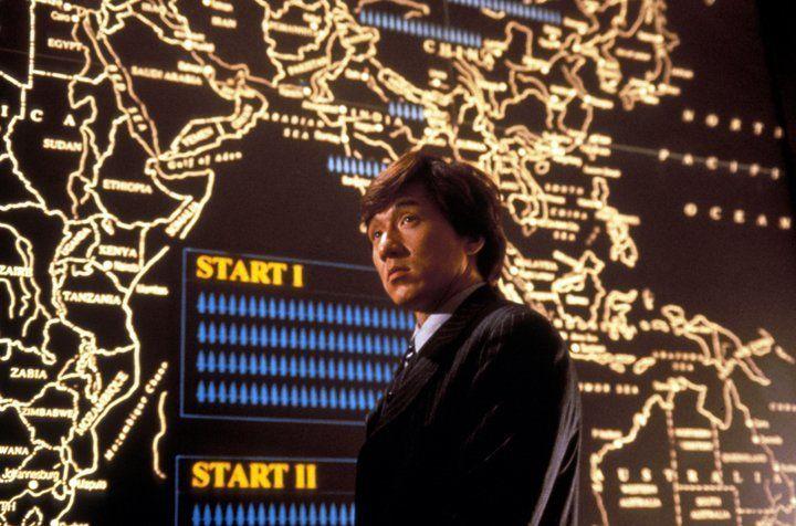 Jackie (Jackie Chan) lässt sich von kontinentalen Distanzen wenig beeindrucken ... - Bildquelle: Warner Bros.