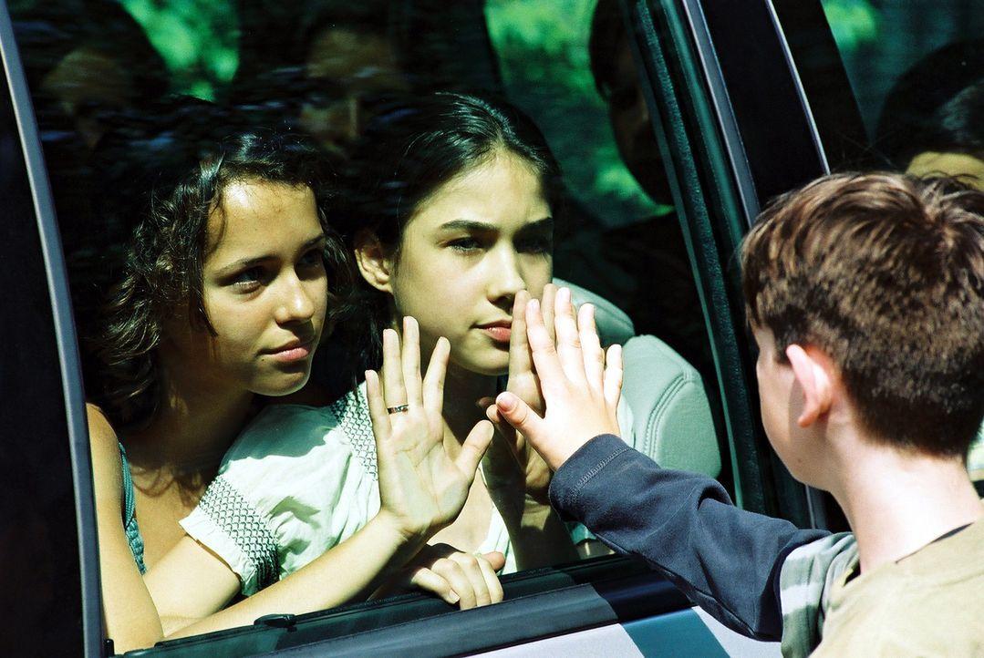 Plötzlich verschwindet Irena (Ida Nowakowska) aus dem Waisenhaus - und mit ihr eine Reihe anderer Kinder. Der Menschenhändler Faisal hat sie entführ... - Bildquelle: Franchise Pictures
