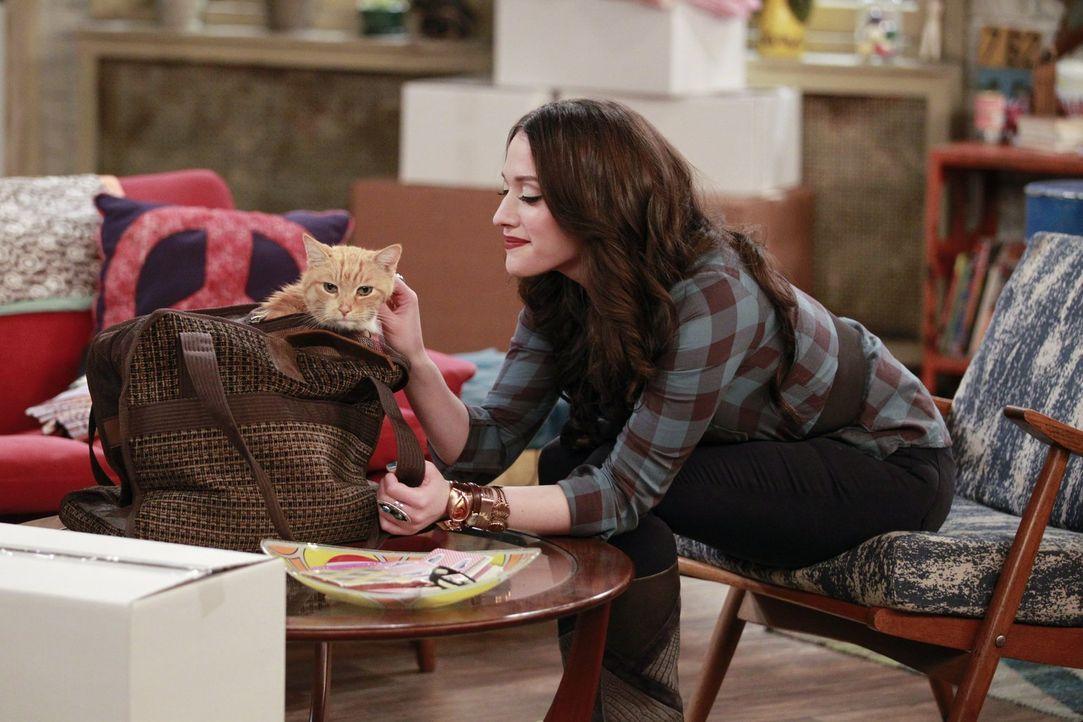 Dass ihre geliebte Katze eine Überraschung für sie bereithält, damit hätte Max (Kat Dennings) nie und nimmer gerechnet ,.. - Bildquelle: Warner Bros. Television