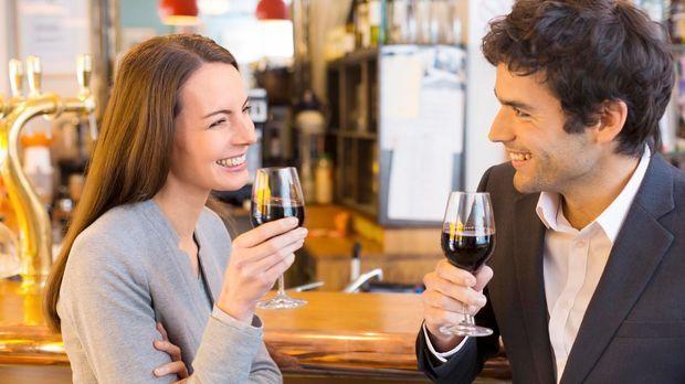 Körpersprache beim flirten deuten