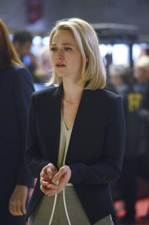 Wurde beim Versuch Alex zu helfen, verhaftet. Doch was wird jetzt mit Shelby (Johanna Braddy) geschehen? - Bildquelle: Philippe Bosse 2015 ABC Studios
