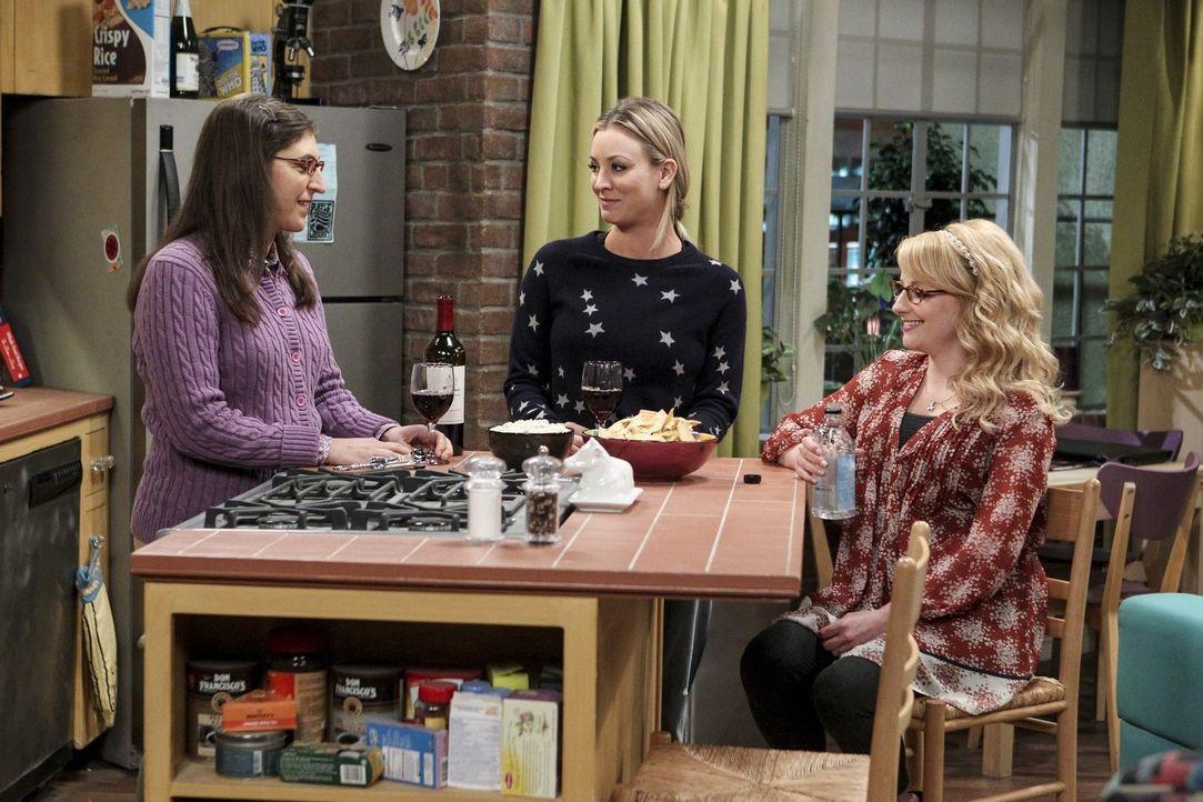 Girlsnight: Können Amy (Mayim Bialik, l.) und Bernadette (Melissa Rauch, r.) Penny (Kaley Cuoco, M.) bei ihren Liebes-Problemen mit Leonard weiterhe... - Bildquelle: 2016 Warner Brothers