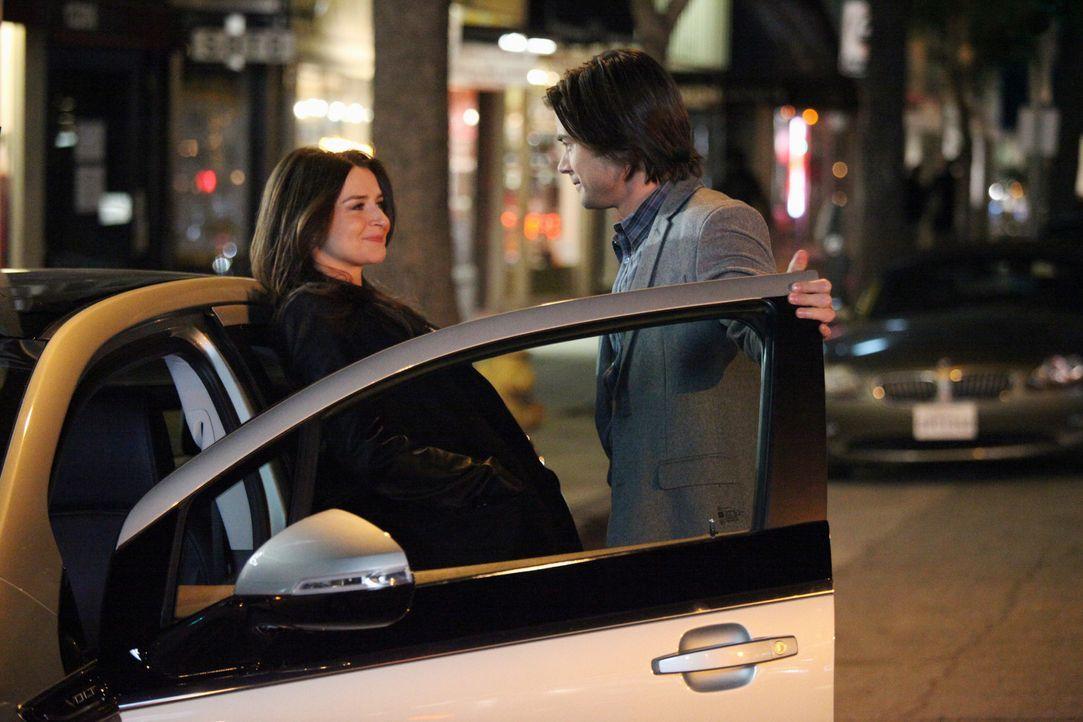 Nach und nach, findet Amelia (Caterina Scorsone, l.) gefallen an James (Matt Long, r.). Doch ist es inzwischen zu spät? - Bildquelle: ABC Studios