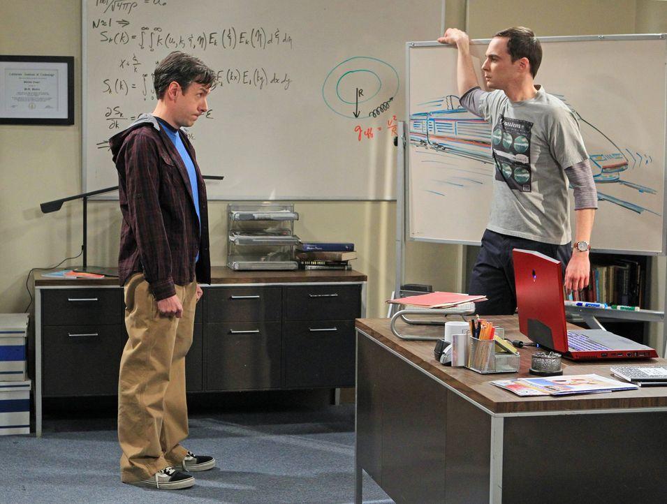 Während Howard und Raj 1000 US-Dollar für Actionfiguren von sich selbst ausgeben, stürzt Sheldon (Jim Parsons, r.) in eine Krise, weil er mit Barry... - Bildquelle: Warner Bros. Television