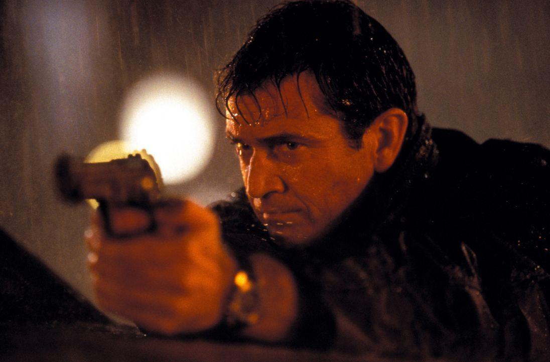 Hinter einem Menschenhändler-Ring stoßen Roger Murtaugh und Martin Riggs (Mel Gibson) auf ein mörderisches Komplott der chinesischen Triaden-Mafia u... - Bildquelle: Warner Bros. Pictures