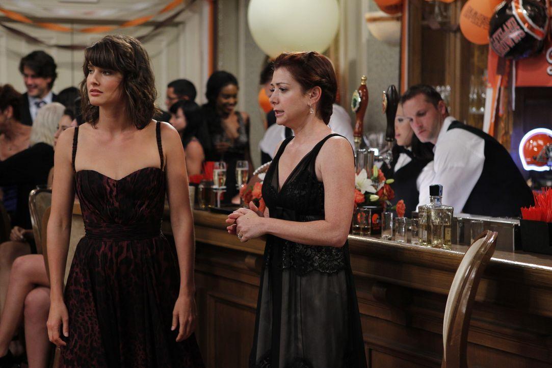 Erinnerung an eine ganz besondere Hochzeitsfeier: Robin (Cobie Smulders, l.) und Lily (Alyson Hannigan, r.) ... - Bildquelle: 20th Century Fox International Television