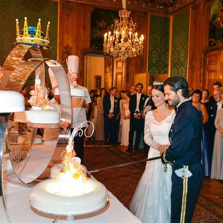Hochzeit-Prinz-Carl-Philip-Sofia-Hellqvist-15-06-13-13-dpa - Bildquelle: dpa