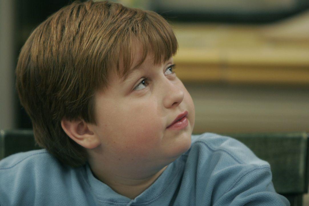 Jake Harper (Angus T. Jones) - Bildquelle: Warner Brothers Entertainment Inc.