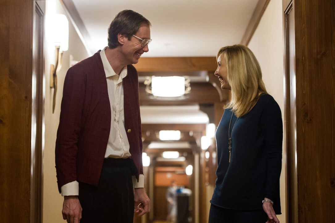 Walter (Stephen Merchant, l.); Bina (Lisa Kudrow, r.) - Bildquelle: Curtis Baker 2017 Twentieth Century Fox Film Corporation.  All rights reserved.