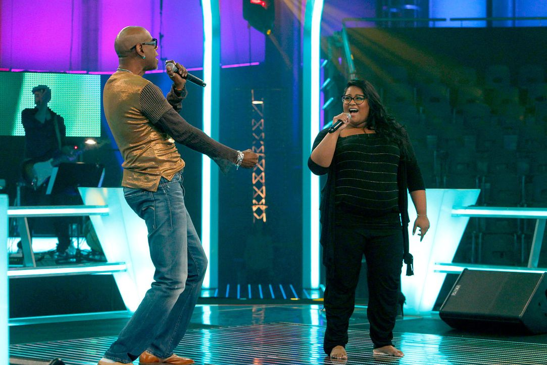 battle-michelle-vs-dennis09-the-voice-of-germany-huebnerjpg 1700 x 1133 - Bildquelle: SAT1/ProSieben/Richard Hübner