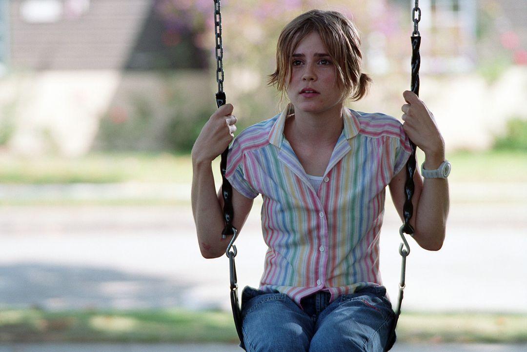 Die 14-jährige Angela (Alison Lohman) bringt innerhalb kürzester Zeit das Leben ihres Gauner-Vaters total durcheinander ... - Bildquelle: Warner Bros. Pictures