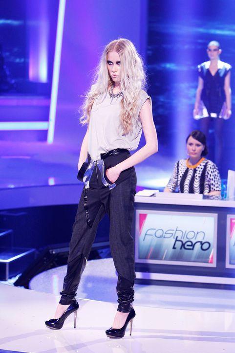 Fashion-Hero-Epi02-Gewinneroutfits-Jale-Jila-Pashottan-02-ASOS-Richard-Huebner - Bildquelle: ProSieben / Richard Huebner