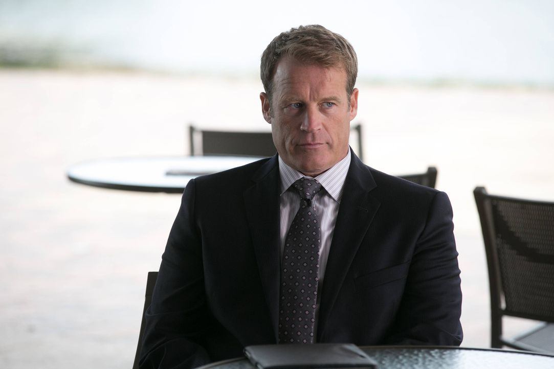 Was wird CIA Director Widener (Mark Valley) tun, um sein Geheimnis zu hüten? - Bildquelle: 2013-2014 NBC Universal Media, LLC. All rights reserved.