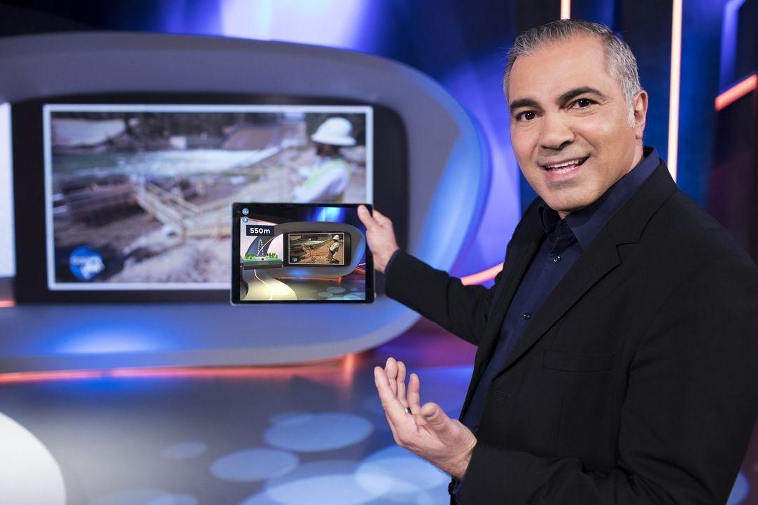 """Aiman Abdallah präsentiert die """"Augmented-Reality-Woche"""" bei Galileo, in der die Zuschauer Zuschauer in zwei Fernsehbeiträgen pro Tag spannende Zusa... - Bildquelle: Benedikt Müller ProSieben"""