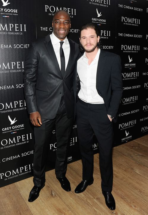 Kit-Harington-Adewale-Akinnuoye-Agbaje-14-02-12-2-getty-AFP - Bildquelle: getty-AFP