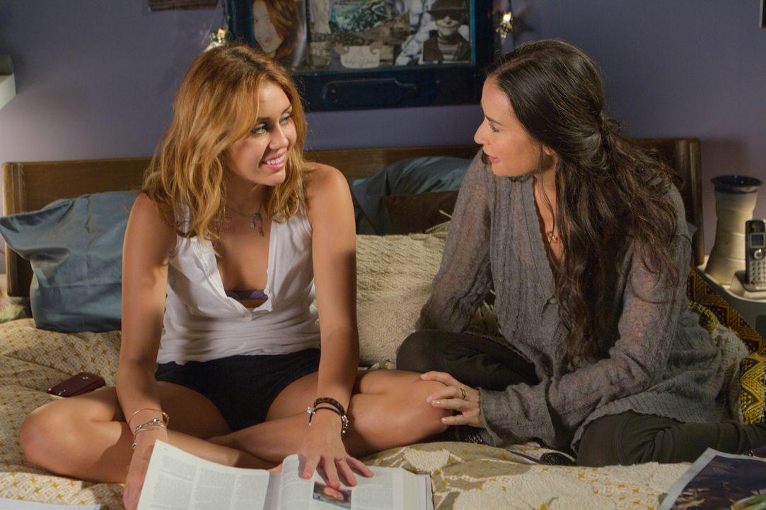 Eigentlich sind die 16-jährige Lola (Miley Cyrus, l.) und ihre Mutter (Demi Moore, r.) ein Dreamteam, auch wenn es manchmal Streit gibt. Dennoch hat... - Bildquelle: Constantin Film Verleih GmbH