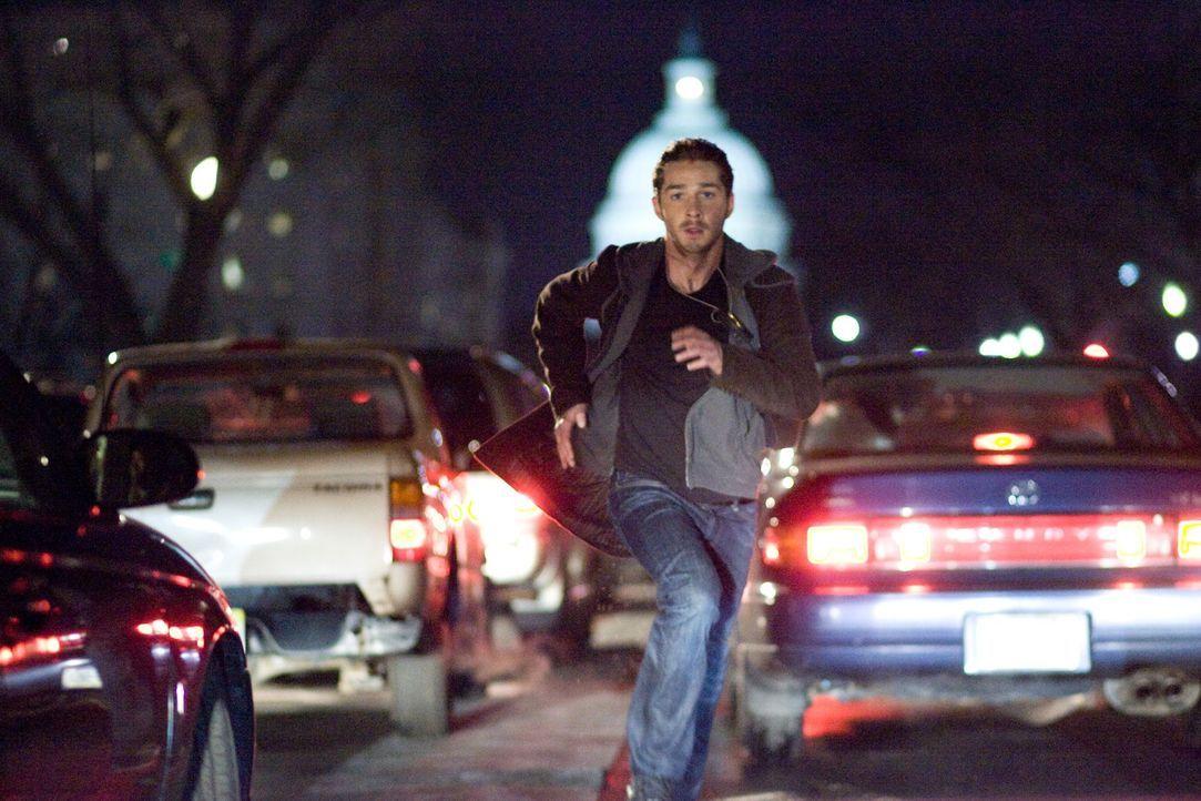 Erst spät wird Jerry (Shia LaBeouf) klar, dass die geheimnisvollen Kräfte, die momentan sein Leben bestimmen, einen Bombenanschlag im Herzen Washing... - Bildquelle: Paramount Pictures International