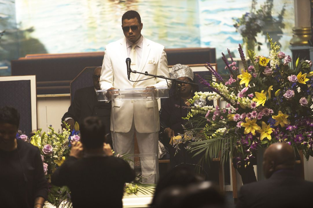 Während der Beerdigung seines Freundes wird Lucious (Terrence Howard) erst klar, was seine ALS-Diagnose bedeutet ... - Bildquelle: 2015 Fox and its related entities.  All rights reserved.
