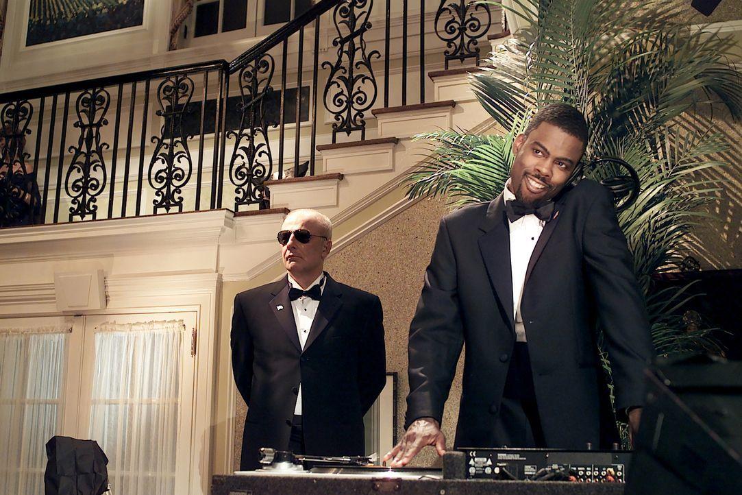 Nobody Mays Gilliam (Chris Rock, r.) schnellt in den Umfragen nach vorne und ist plötzlich eine ernstzunehmende Konkurrenz! Das passt allerdings so... - Bildquelle: DreamWorks SKG