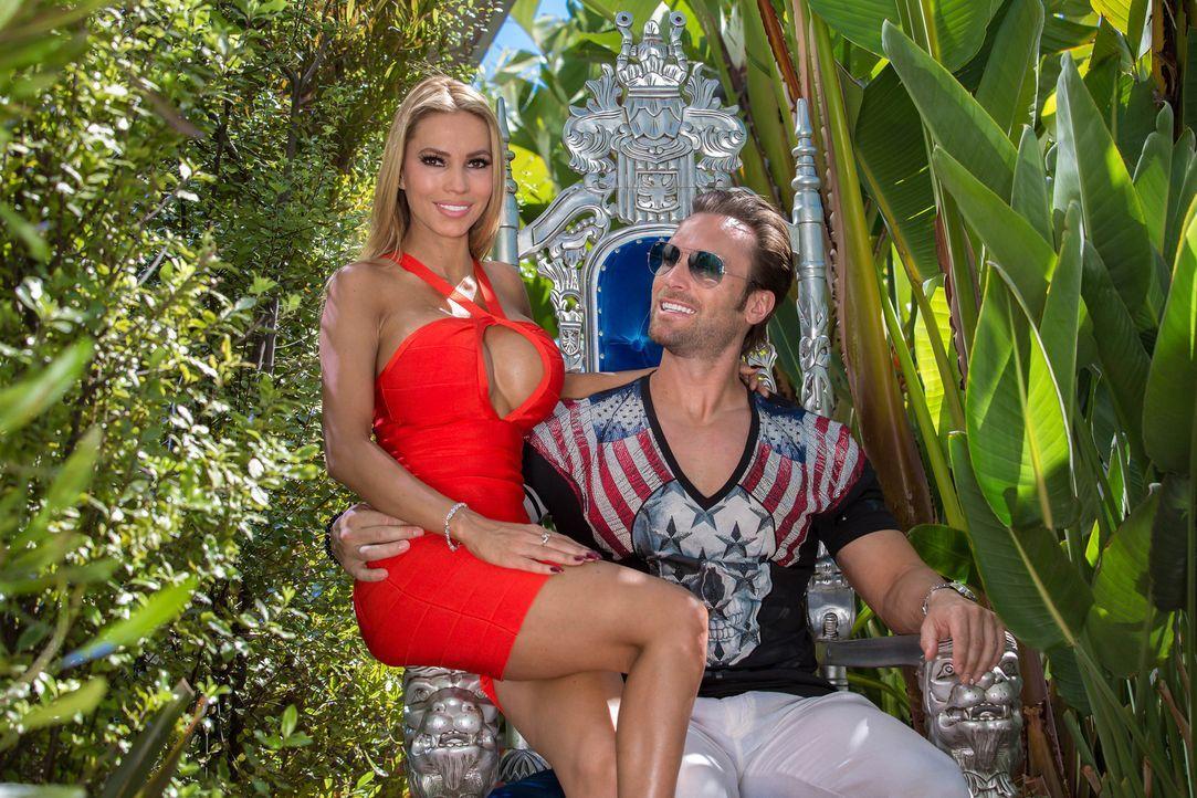 Die Yottas! Mit Vollgas durch Amerika: Unternehmer Bastian Yotta (r.) und Freundin Maria (l.) ... - Bildquelle: Martin Ehleben ProSieben