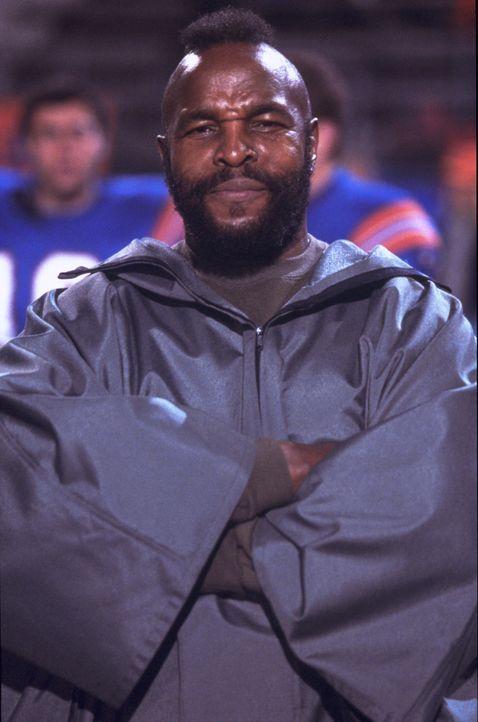 Eines Tages muss Wise Janitor (Mr.T) erleben, dass sein bester Sportler mit dem Kopf ganz woanders ist ... - Bildquelle: 2003 Sony Pictures Television International. All Rights Reserved.