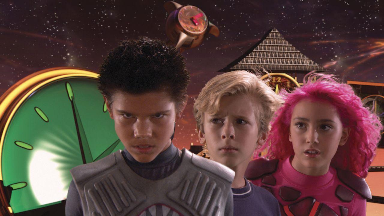 Manchmal stammen die erstaunlichsten Superhelden(Taylor Lautner,l.und Taylor Dooley, r.) aus den eigenen Träumen - dies passiert auch dem kleinen M... - Bildquelle: 2005 Miramax Film Corp. All Rights Reserved.