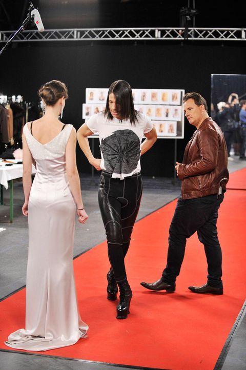 germanys-next-topmodel-stf07-epi01-modenschau-backstage-26-oliver-s-prosiebenjpg 1324 x 1990 - Bildquelle: Oliver S. - ProSieben