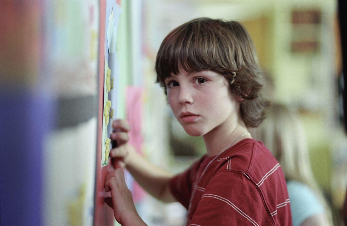 Mit seinem Experiment verändert der erwachsene Evan (Logan Lerman) auch seine eigene Kindheit ... - Bildquelle: Warner Brothers