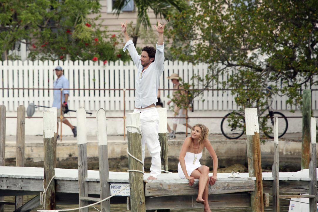 J.D. (Zach Braff, l.) hat es geschafft - der letzte Liebesschwur für Elliot (Sarah Chalke, r.) war der Richtige ... - Bildquelle: Touchstone Television