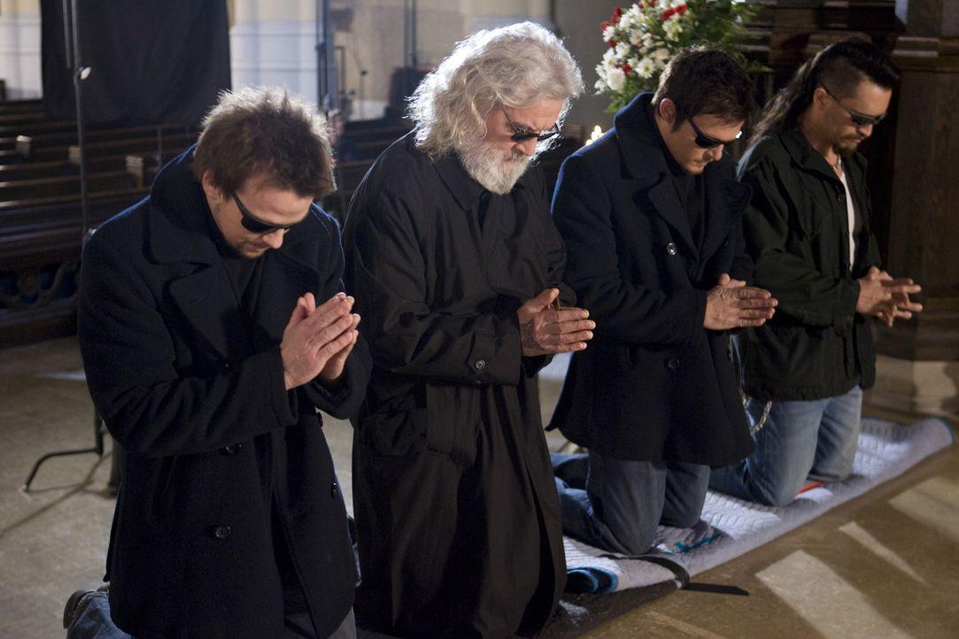 """Greifen Gott helfend unter die Arme, um dem Bösen Einhalt zu gebieten: (v.l.n.r.) die """"Saints"""" Connor (Sean Patrick Flanery), Il Duce Noah (Billy C... - Bildquelle: 2009 Boondock Saints II Productions, LLC. All Rights Reserved. Asset"""