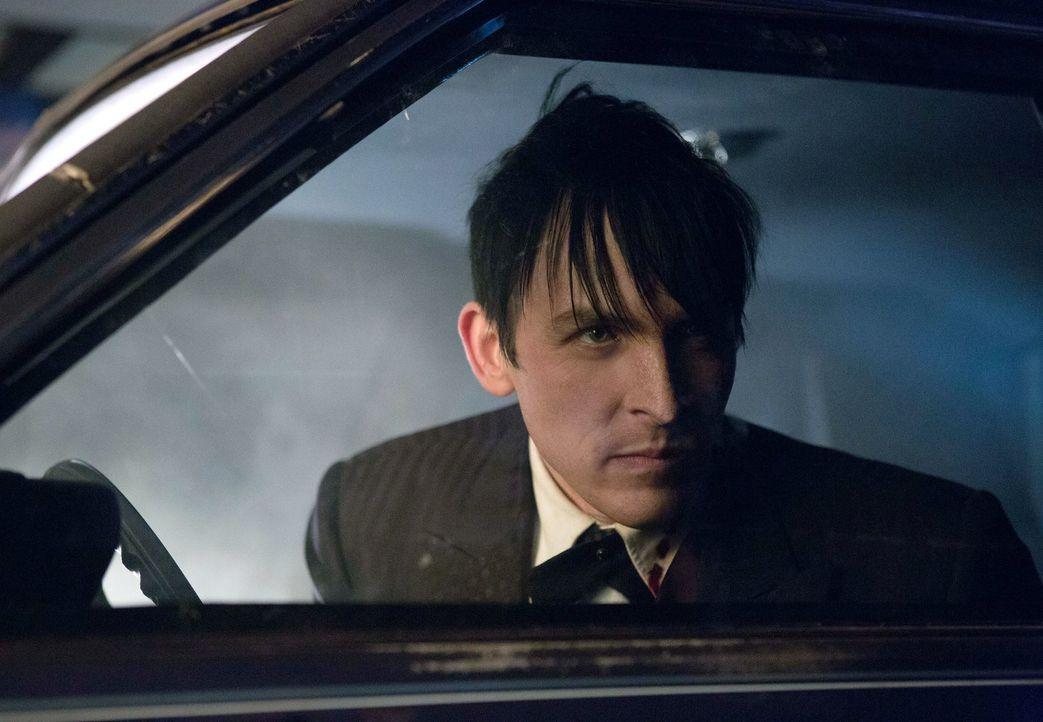 Gordon und Bullock jagen einen Mörder, der sich Opfer sucht, die unter starken Phobien leiden, während Maroni die Loyalität von Cobblepot (Robin Lor... - Bildquelle: Warner Bros. Entertainment, Inc.