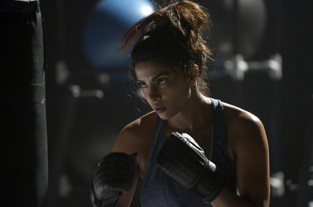 Um eine der Besten zu bleiben, gibt Alex (Priyanka Chopra) alles ... - Bildquelle: 2015 ABC Studios