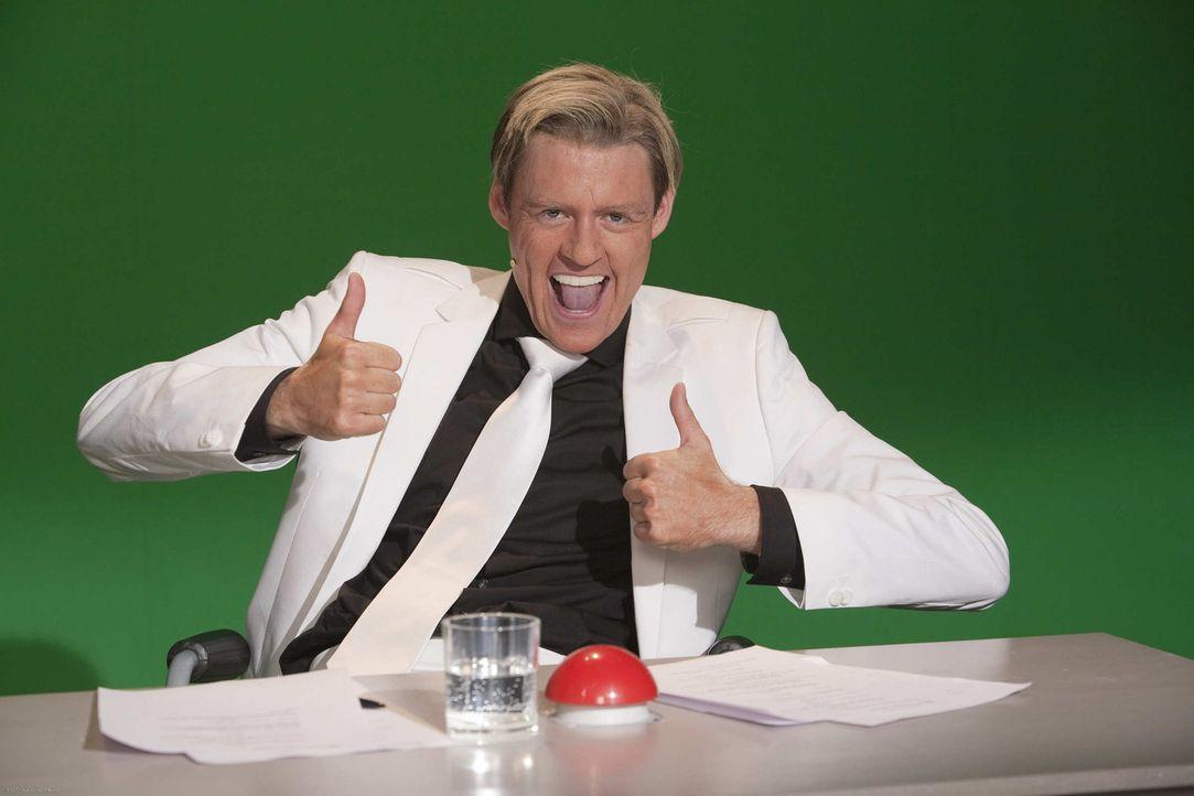 (5. Staffel) - Top oder Flopp: Dieter Bohlen (Max Giermann) muss sich entscheiden ... - Bildquelle: ProSieben