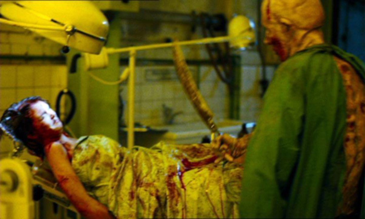 Als Mandy (Kelly Scott, l.) dem irren U-Bahnmörder (Sean Harris, r.) in die Hände fällt, beginnt für sie ein grauenvoller Alptraum ... - Bildquelle: TMG