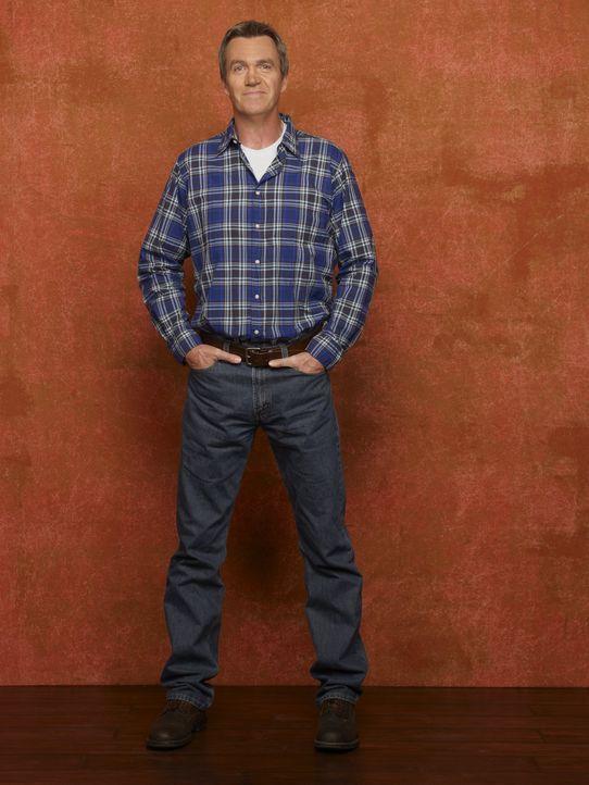 (2. Staffel) - Im Steinbruch schuftet er täglich für seine Familie: Mike (Neil Flynn) ... - Bildquelle: Warner Brothers