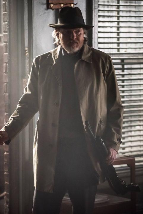 Gordon und Bullock (Donal Logue) treffen auf Anhänger eines seltsamen Kults, der sich um Jerome dreht und müssen feststellen, dass diese vorhaben ih... - Bildquelle: Warner Brothers