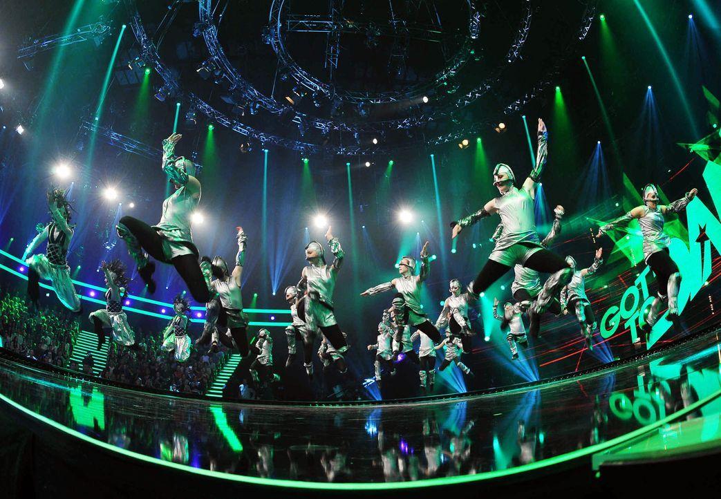 Got-To-Dance-Kosmosgruppe-08-SAT1-ProSieben-Willi-Weber - Bildquelle: SAT.1/ProSieben/Willi Weber