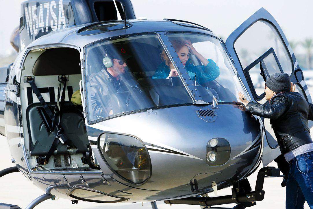 GNTM-Stf10-Epi06-Helikopter-Shooting-73-Laura-D-ProSieben-Richard-Huebner - Bildquelle: ProSieben/Richard Huebner