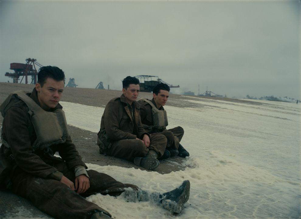 (v.l.n.r.) Alex (Harry Styles); Gibson (Aneurin Barnard); Tommy (Fionn Whitehead) - Bildquelle: Warner Bros.