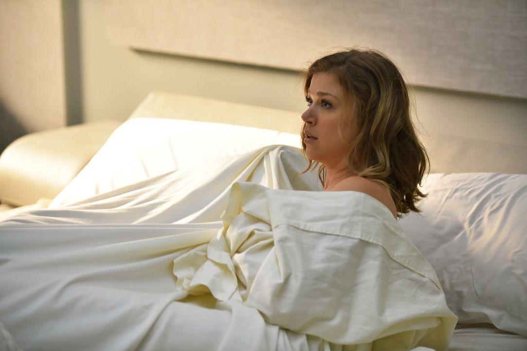 Es ist jetzt ein Jahr her, dass Ed seine Frau Kelly (Adrianne Palicki) mit einem Alien im Bett erwischt hat und jetzt sollen sie ausgerechnet zusamm... - Bildquelle: 2017 Fox and its related entities. All rights reserved.