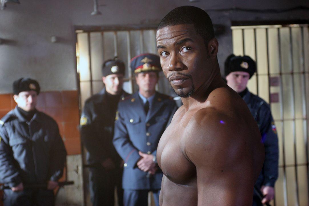 US-Berufsboxer George Chambers (Michael Jai White) wird während eines Aufenthalts in Russland Drogen ins Gepäck geschmuggelt. Prompt landet er in... - Bildquelle: Nu Image Films