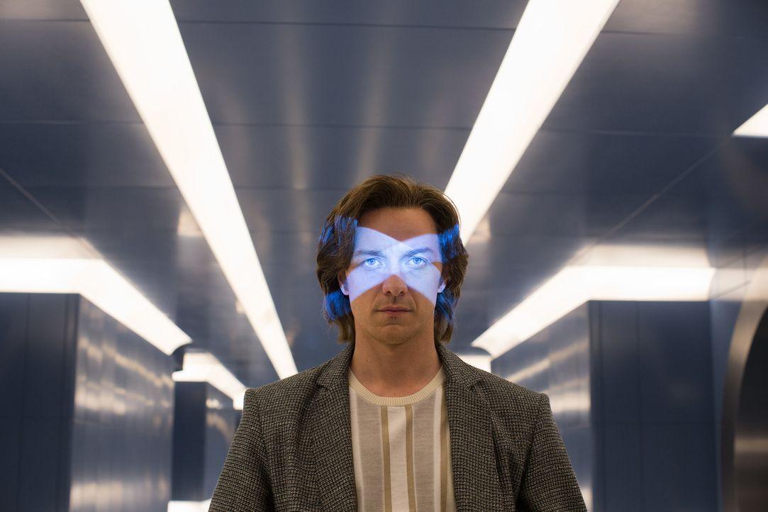 Erkennt Professor X (James McAvoy) zu spät, welch mächtiger Mutant es auf die komplette Zerstörung der Menschheit abgesehen hat und auch nicht davor... - Bildquelle: Alan Markfield 2016 Twentieth Century Fox Film Corporation.  All rights reserved.  MARVEL TM &   2016 MARVEL & Subs.