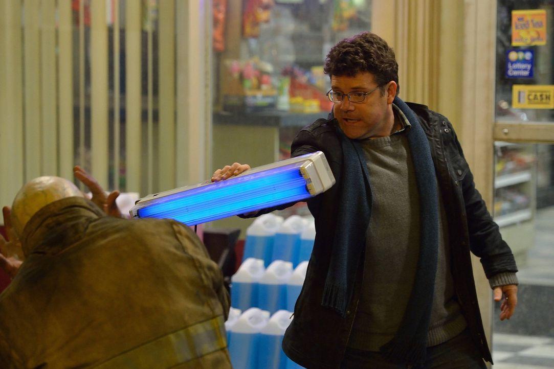 Bei seinem Versuch einen Vampir zu bekämpfen wird Jim (Sean Astin) verletzt. Ist er jetzt ebenfalls infiziert? - Bildquelle: 2014 Fox and its related entities. All rights reserved.