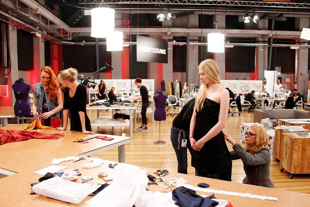 Fashion-Hero-Epi02-Fashionshowdown-07-ProSieben-Richard-Huebner - Bildquelle: ProSieben / Richard Huebner