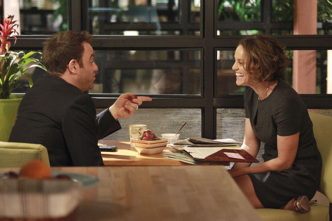 Während Cooper (Paul Adelstein, l.) sich mit seiner Zukunft auseinandersetzten muss, genießt Violet (Amy Brenneman, r.) die Zeit mit ihrem jungen... - Bildquelle: ABC Studios