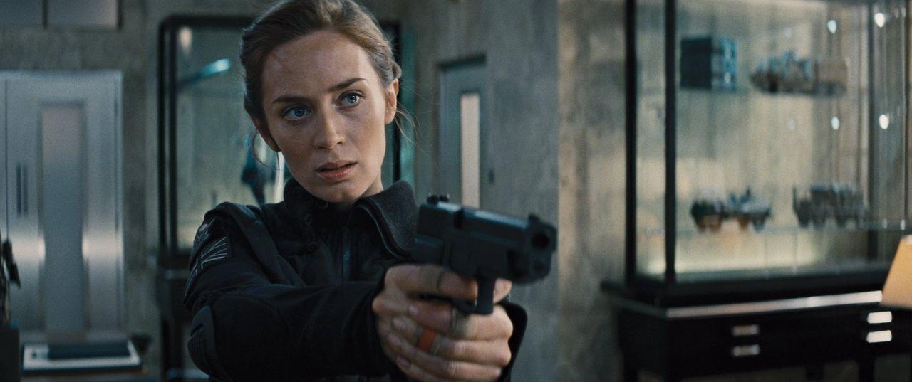 Sie gilt als Kriegsheldin im Kampf gegen eine feindliche Alienrasse, doch bisher gelingt es ihr nicht, den hochintelligenten Wesen endgültig den Gar... - Bildquelle: Warner Bros. Television