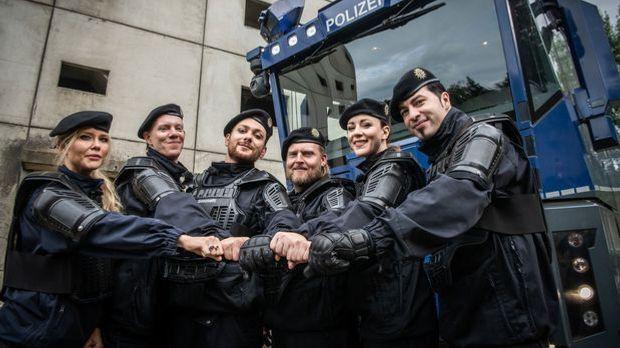 """""""Die Job-Touristen"""": Diese Promis sind Teilnehmer beim Polizeiausbi..."""