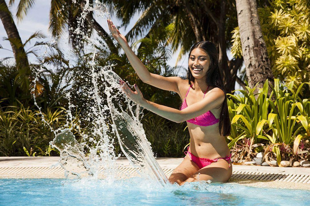 GNTM-Stf10-Epi13-Bikini-Shooting-Malediven-78-Anuthida-ProSieben-Boris-Breuer - Bildquelle: ProSieben/Boris Breuer